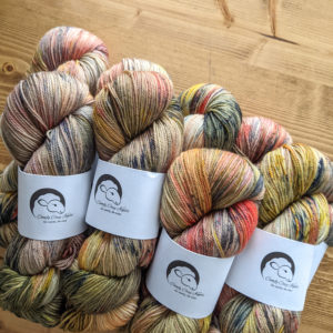 Comfy Cozy Knits yarn in the exclusive colorway City Lights at Night for Rose&Purl 2021 Yarn Club